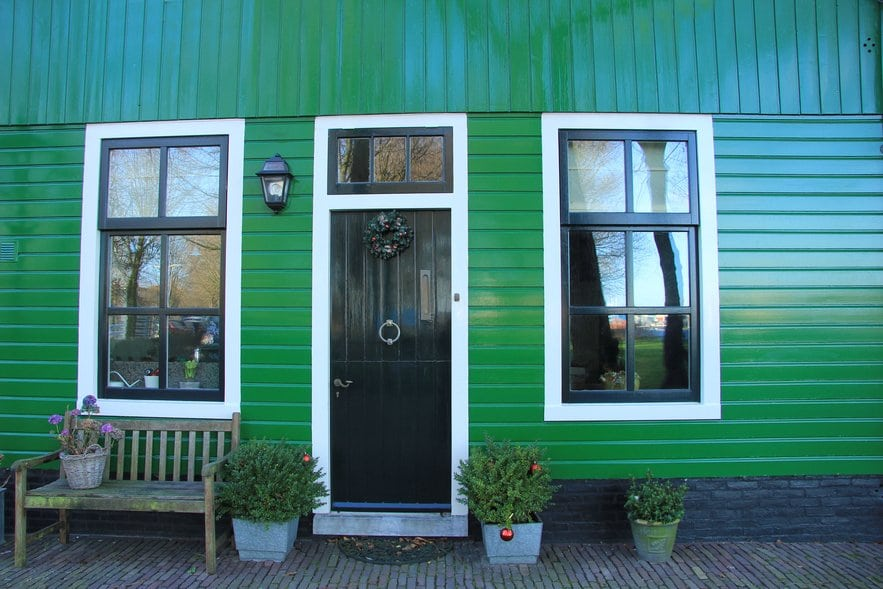 How to Refinish a Home Entry Door